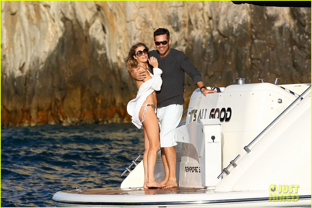 leann rimes eddie cibrian boat 01