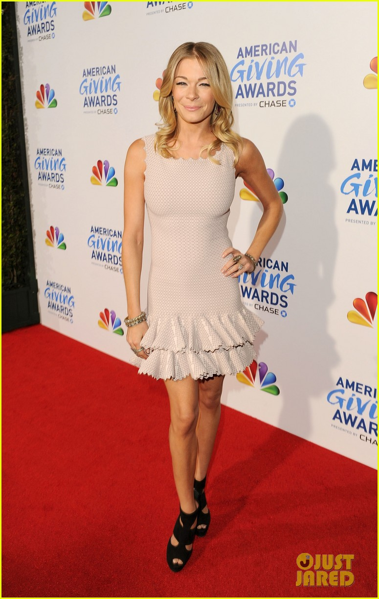 leann rimes american giving awards 03