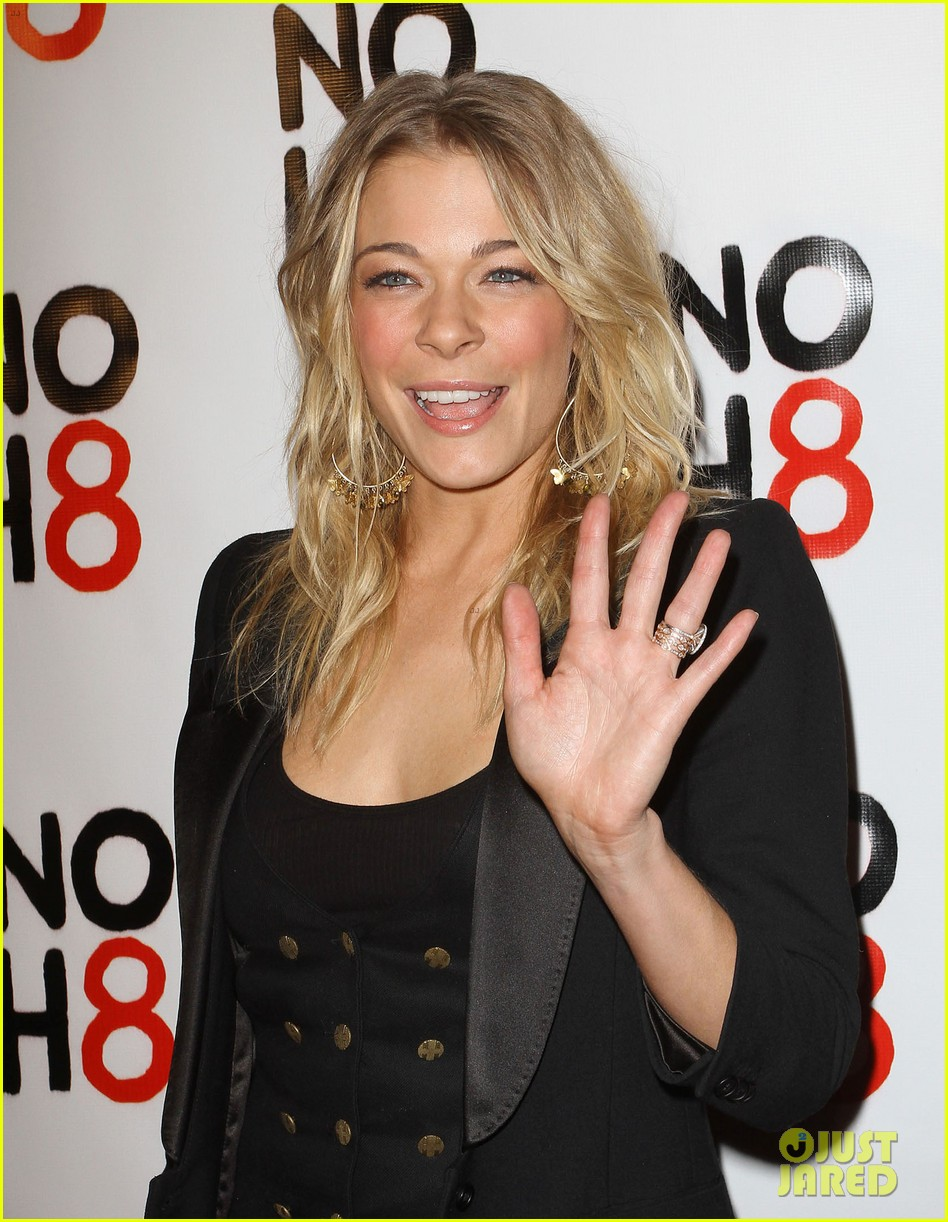 leann rimes noh8 campaigns 3 year anniversary celebration 03