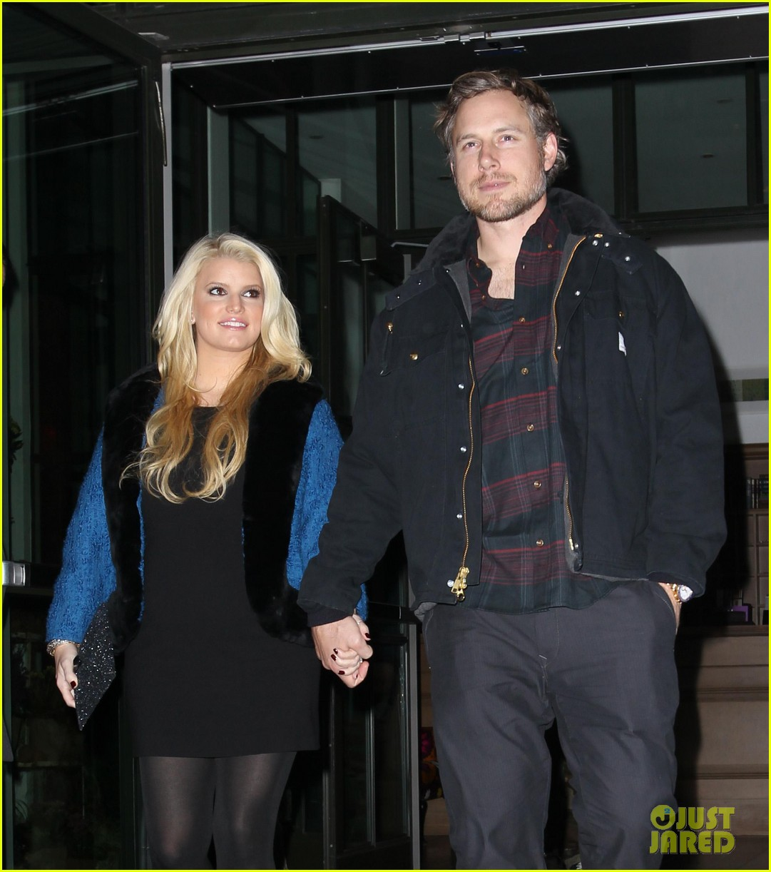 pregnant jessica simpson eric johnson out nyc 03