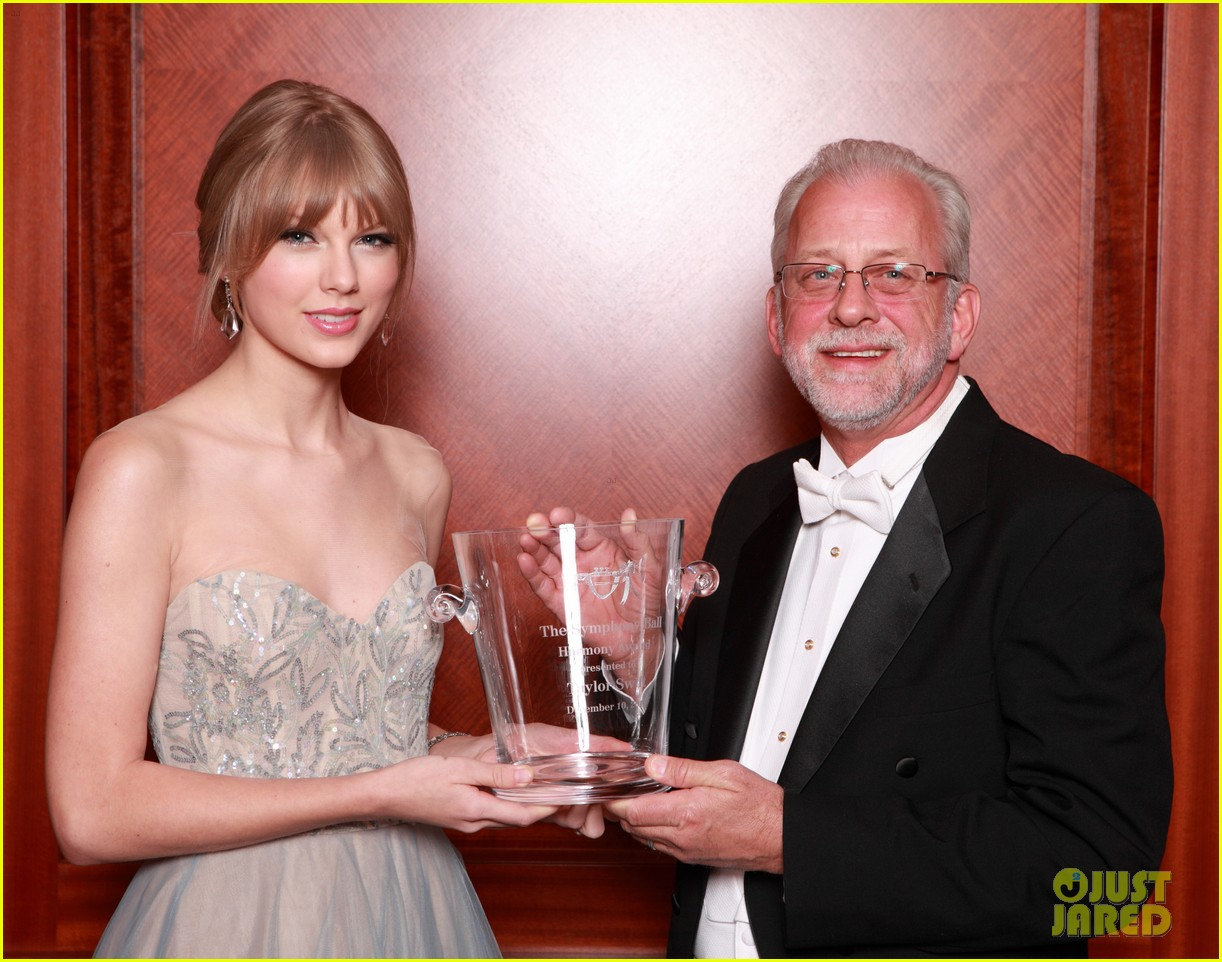 taylor swift nashville symphony ball 10