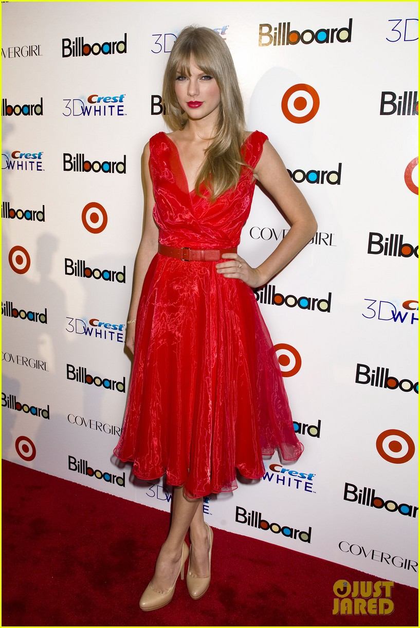 taylor swift billboard women music 08