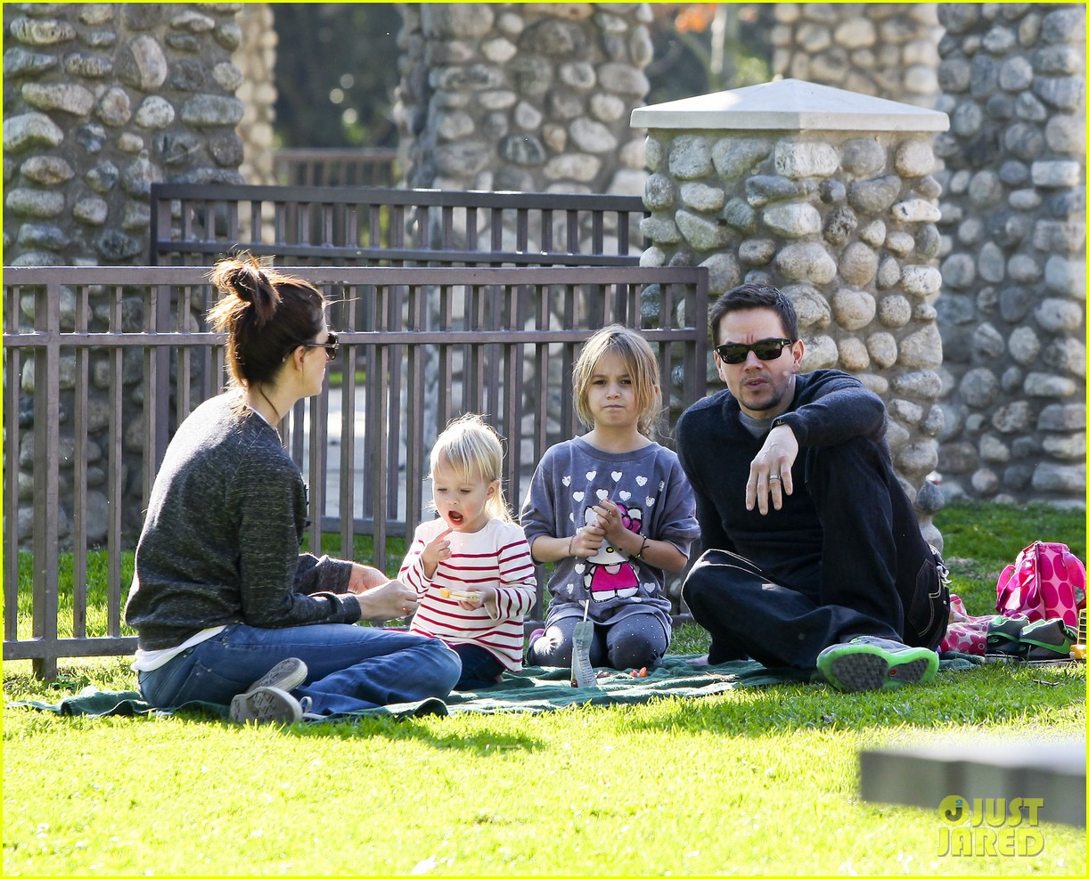 mark wahlberg family park day 18