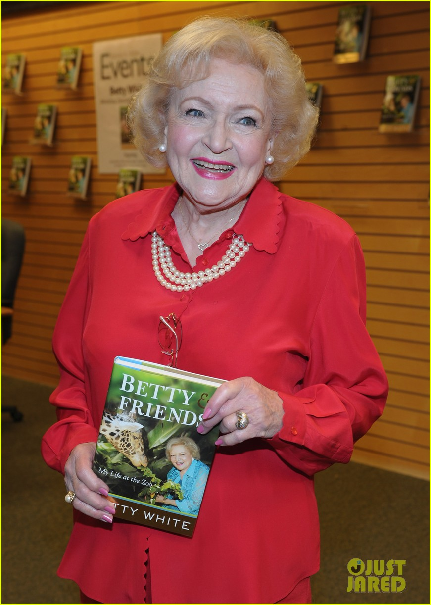 betty white book signing 08