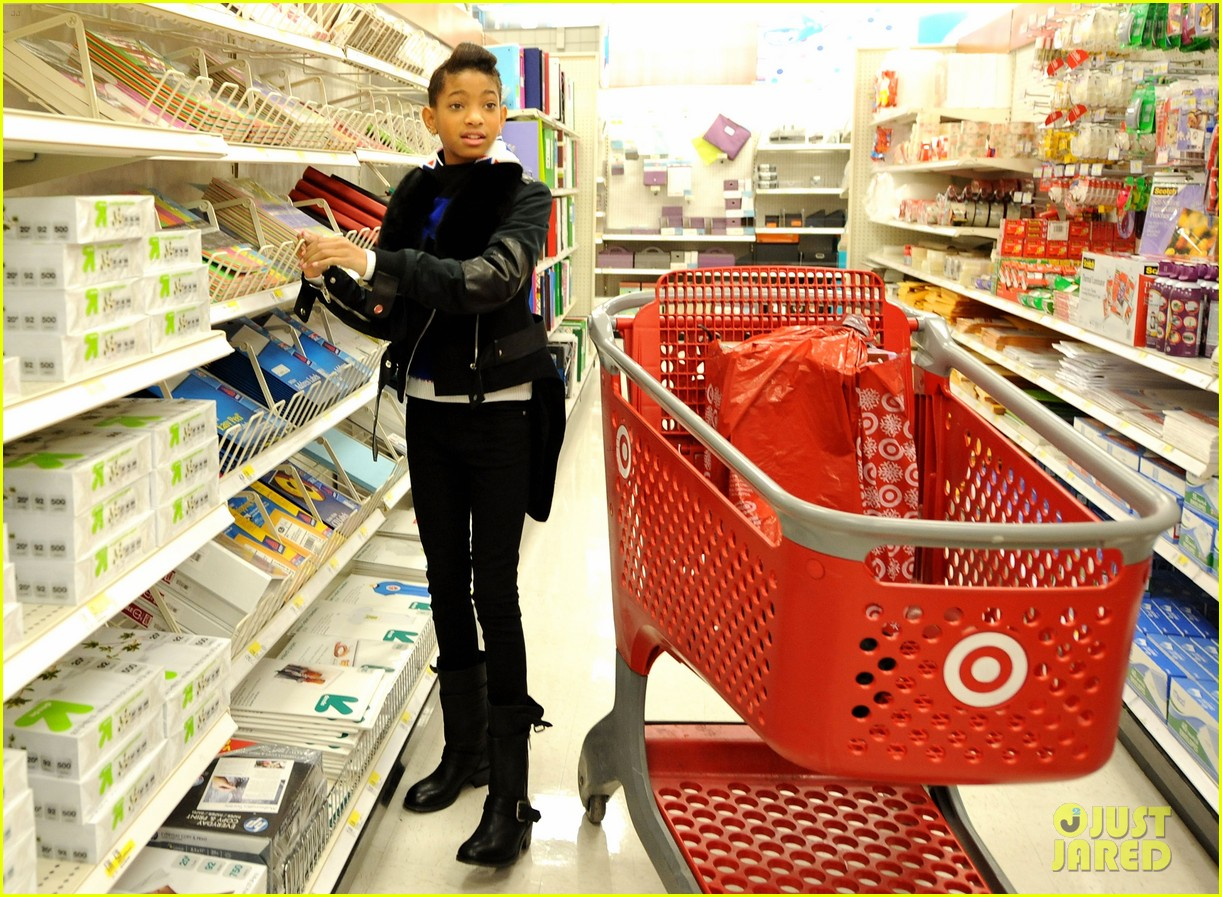 willow smith target shopping spree boys girls club 03