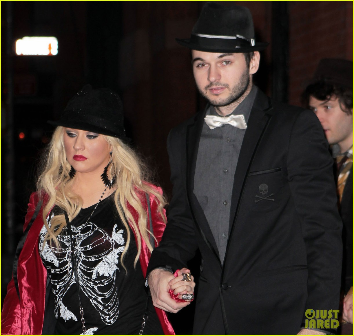 christina aguilera matt rutler new years eve 01