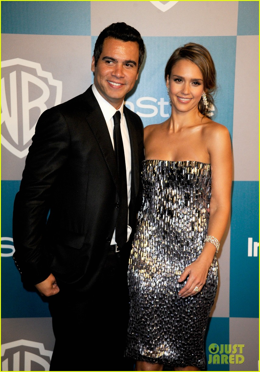 jessica alba golden globes after party 03