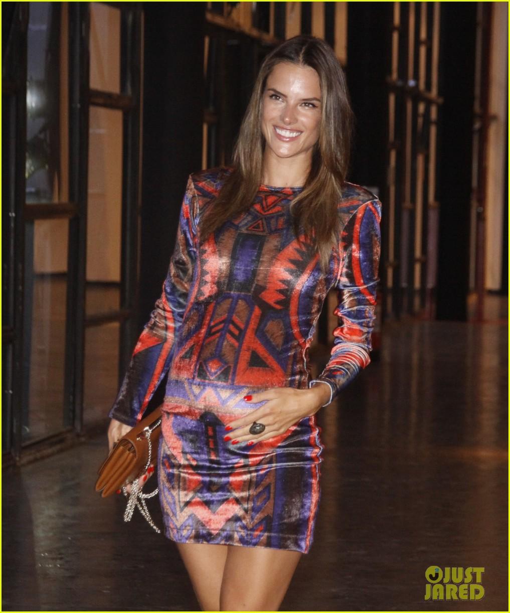Alessandra Ambrosio: Pregnant at Colcci Fashion Show ...