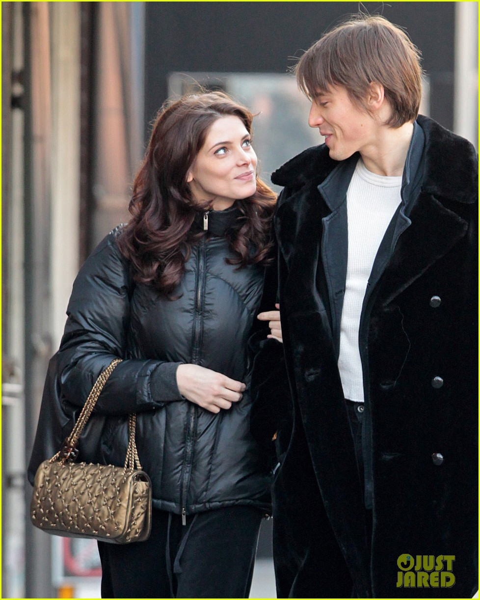 ashley greene reeve carney 02