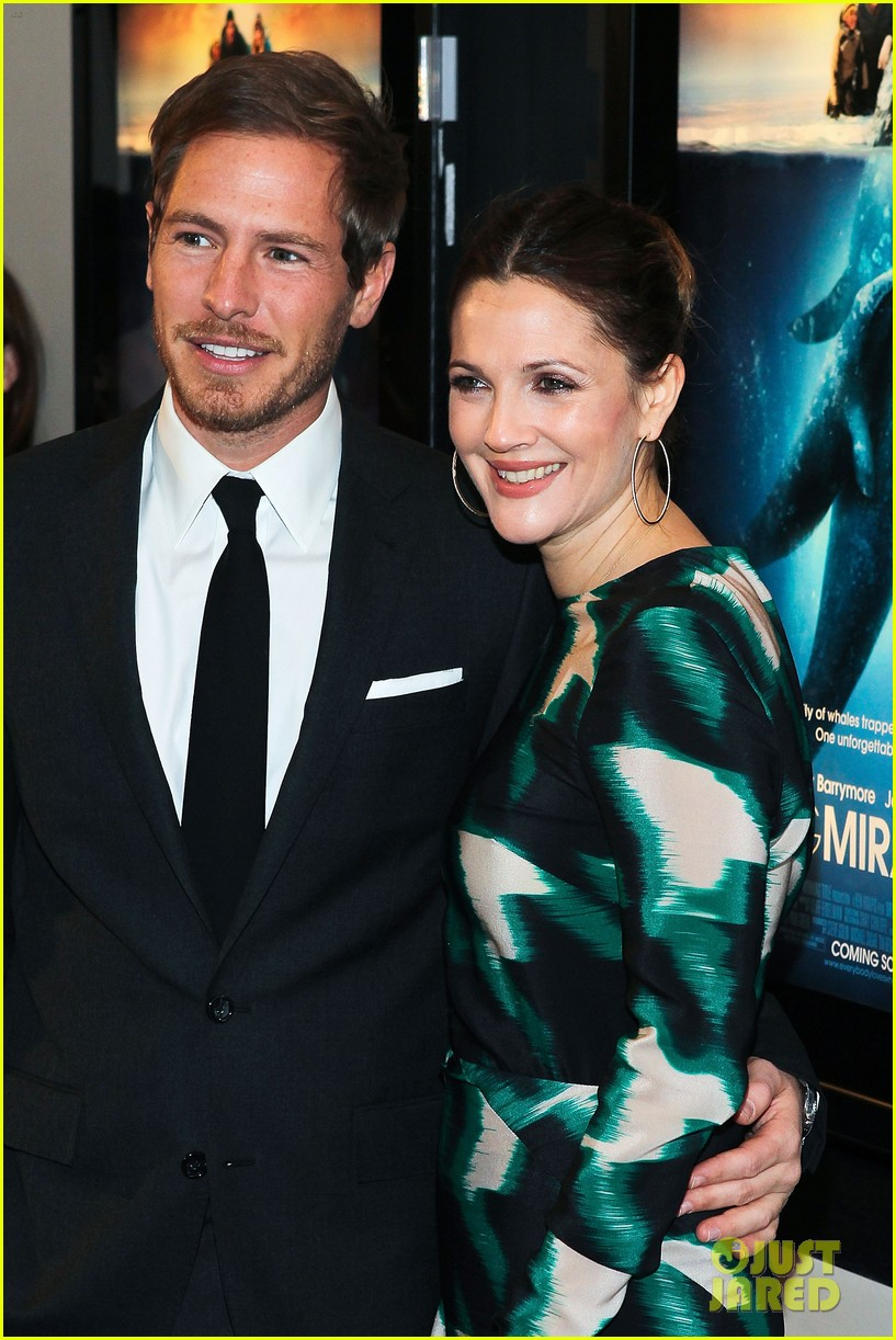 drew barrymore will kopelman big miracle premiere 022622019