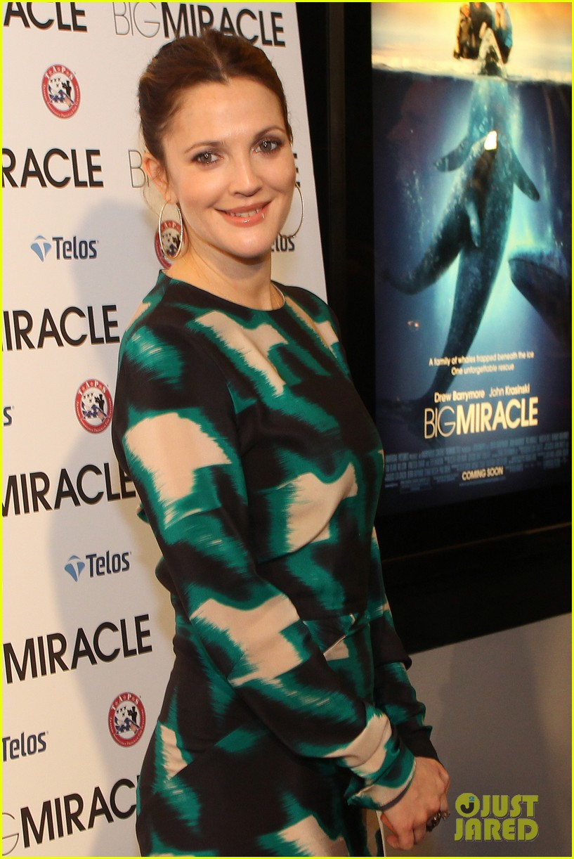 drew barrymore will kopelman big miracle premiere 042622021