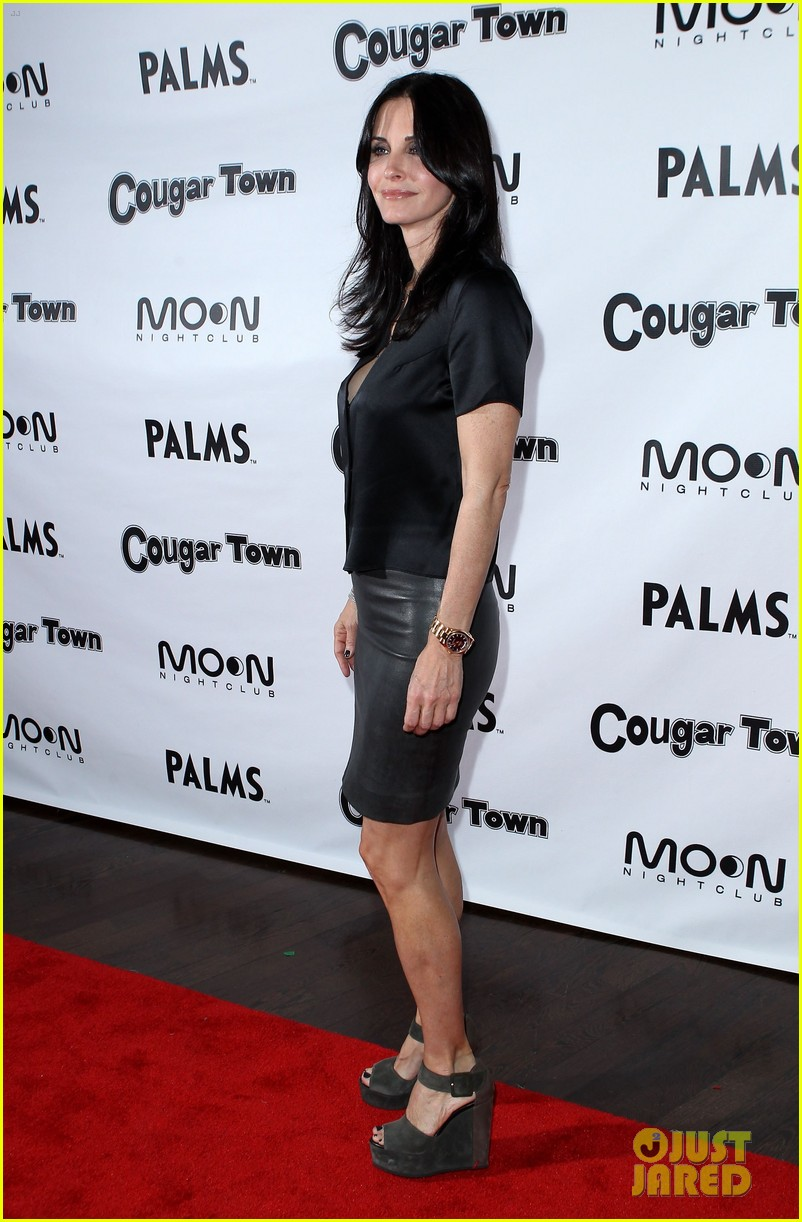 courteney cox cougar town viewing party las vegas 042620801