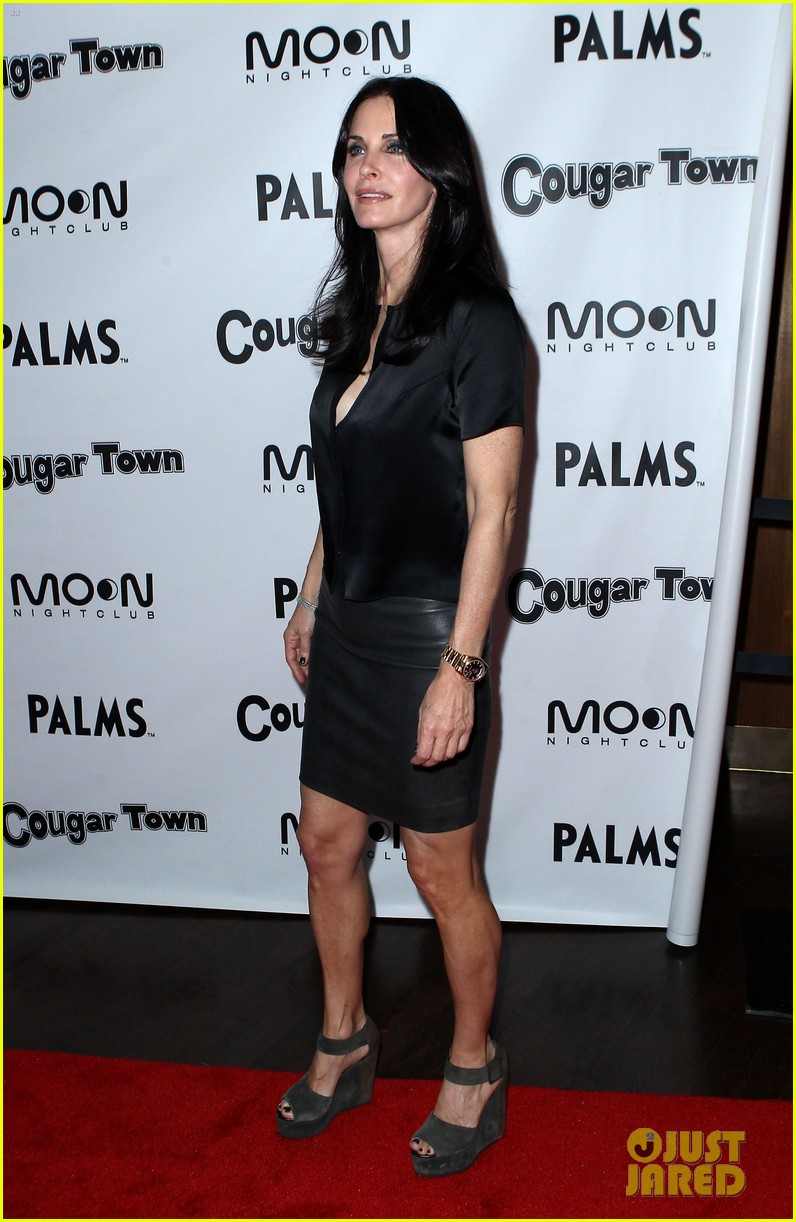 courteney cox cougar town viewing party las vegas 07