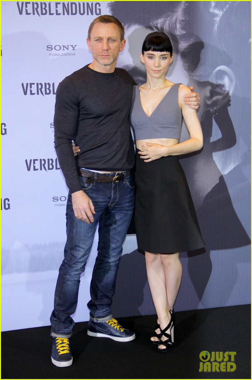 daniel craig rooney mara dragon tattoo berlin photo call 04
