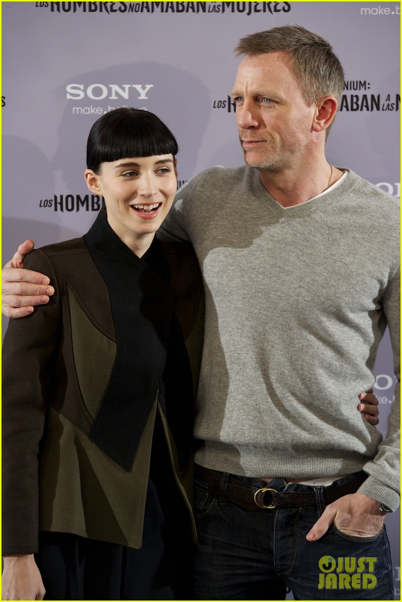 daniel craig rooney mara dragon tattoo madrid photo call 04