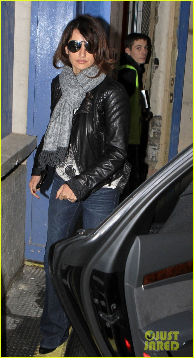 penelope cruz retail therapy in london 082619924