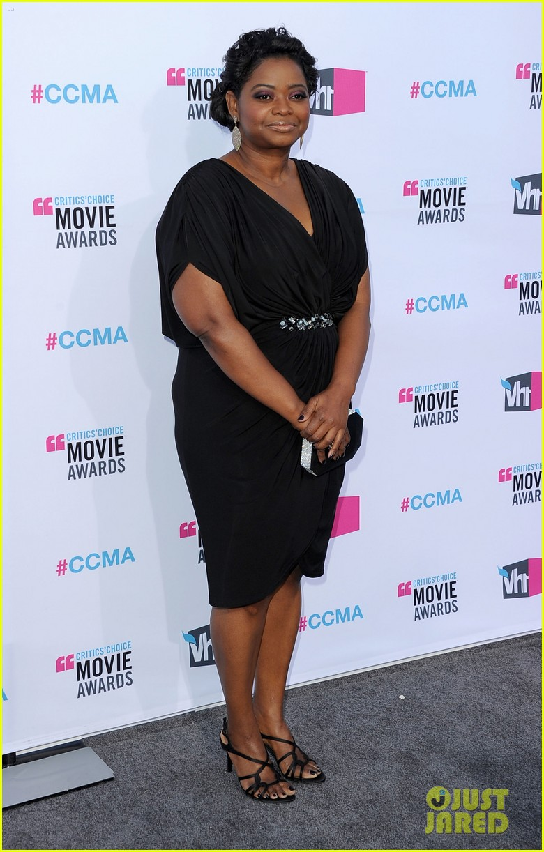 viola davis octavia spencer 2012 critics choice awards 01