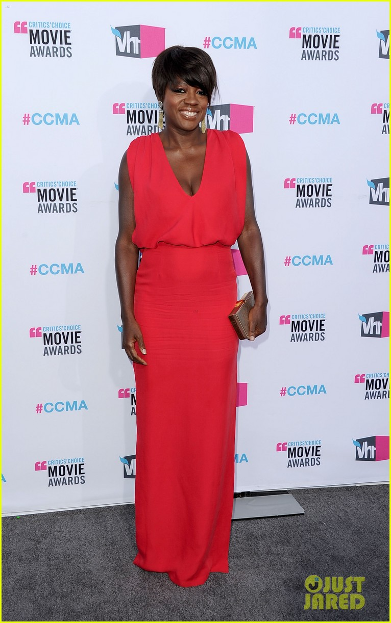 viola davis octavia spencer 2012 critics choice awards 06