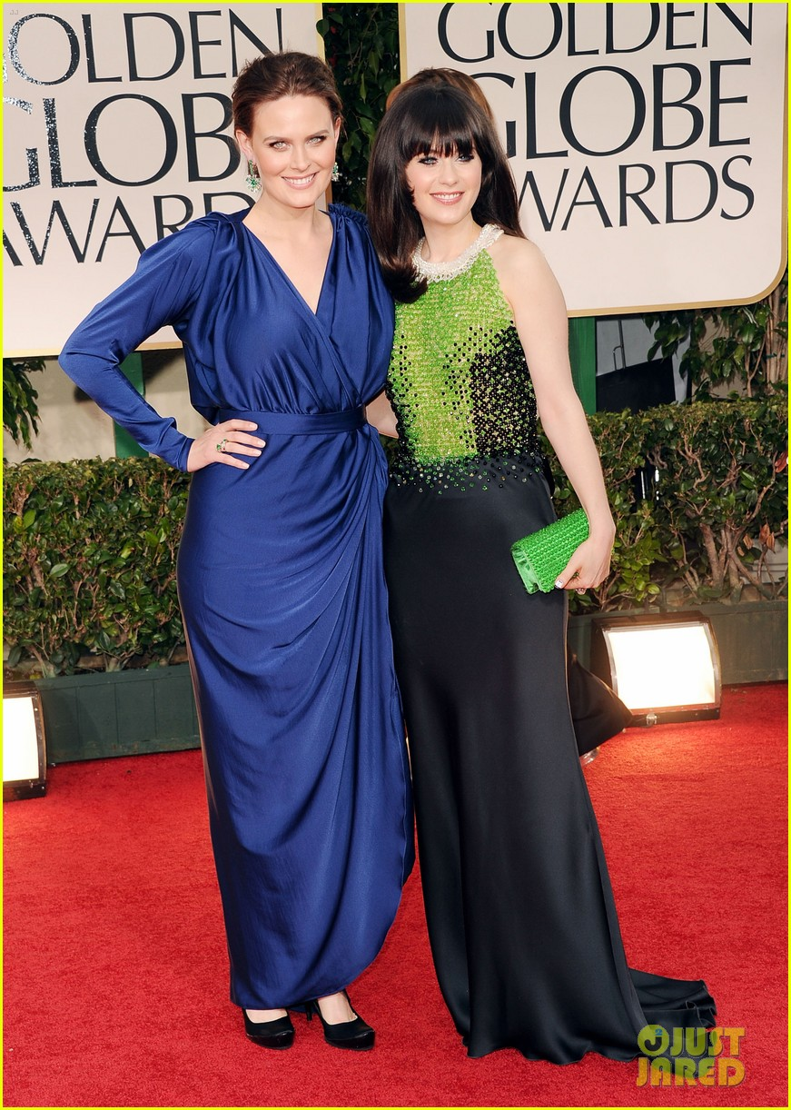 emily zooey deschanel golden globes 02