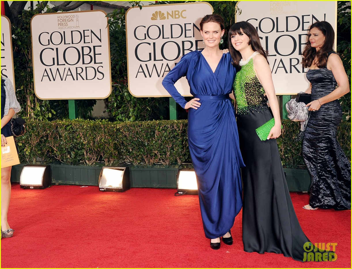 emily zooey deschanel golden globes 05