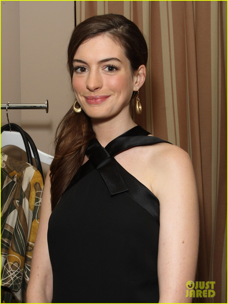 anne hathaway rachel zoe l a lgbt center benefit 14
