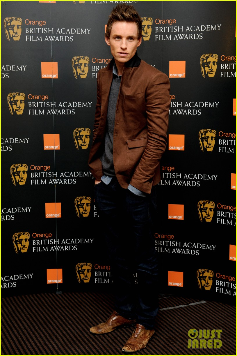 tom hiddleston eddie redmayne bafta orange 04