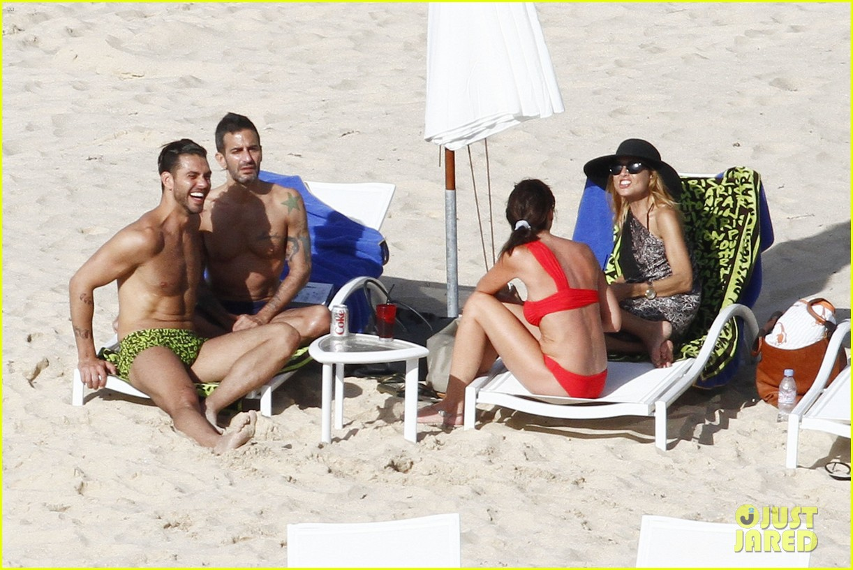 marc jacobs shirtless in st barts on new years day 02