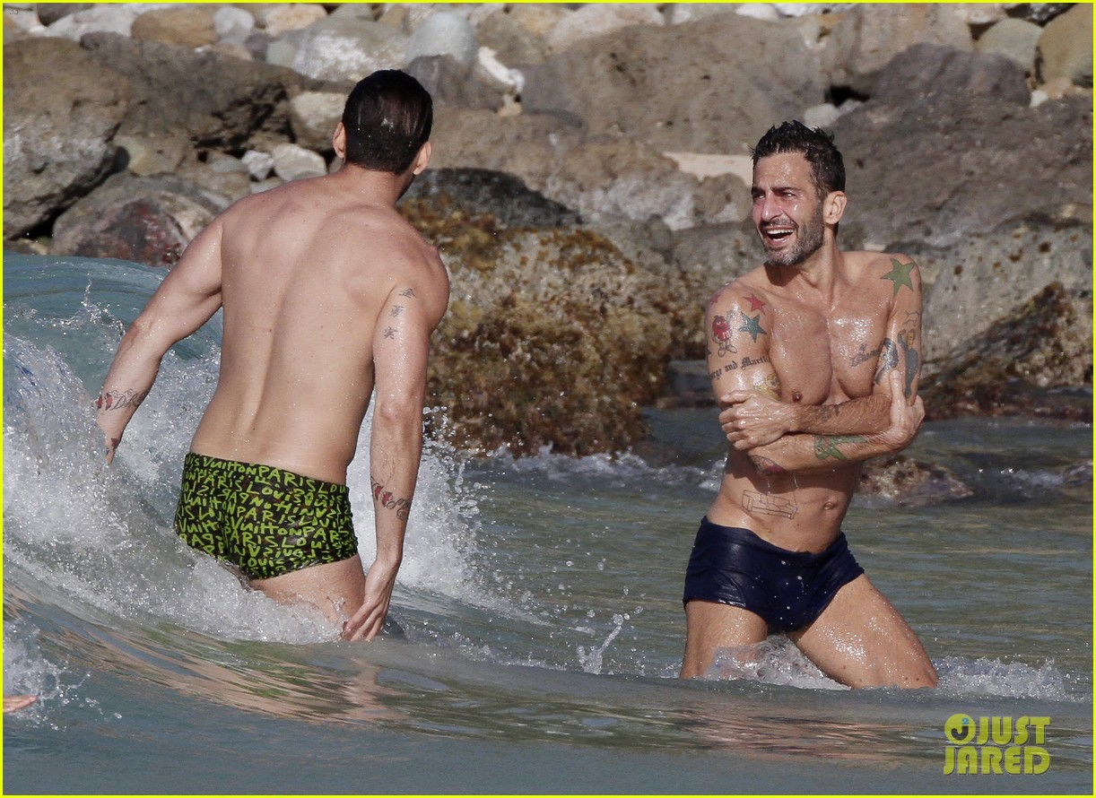 marc jacobs shirtless in st barts on new years day 12