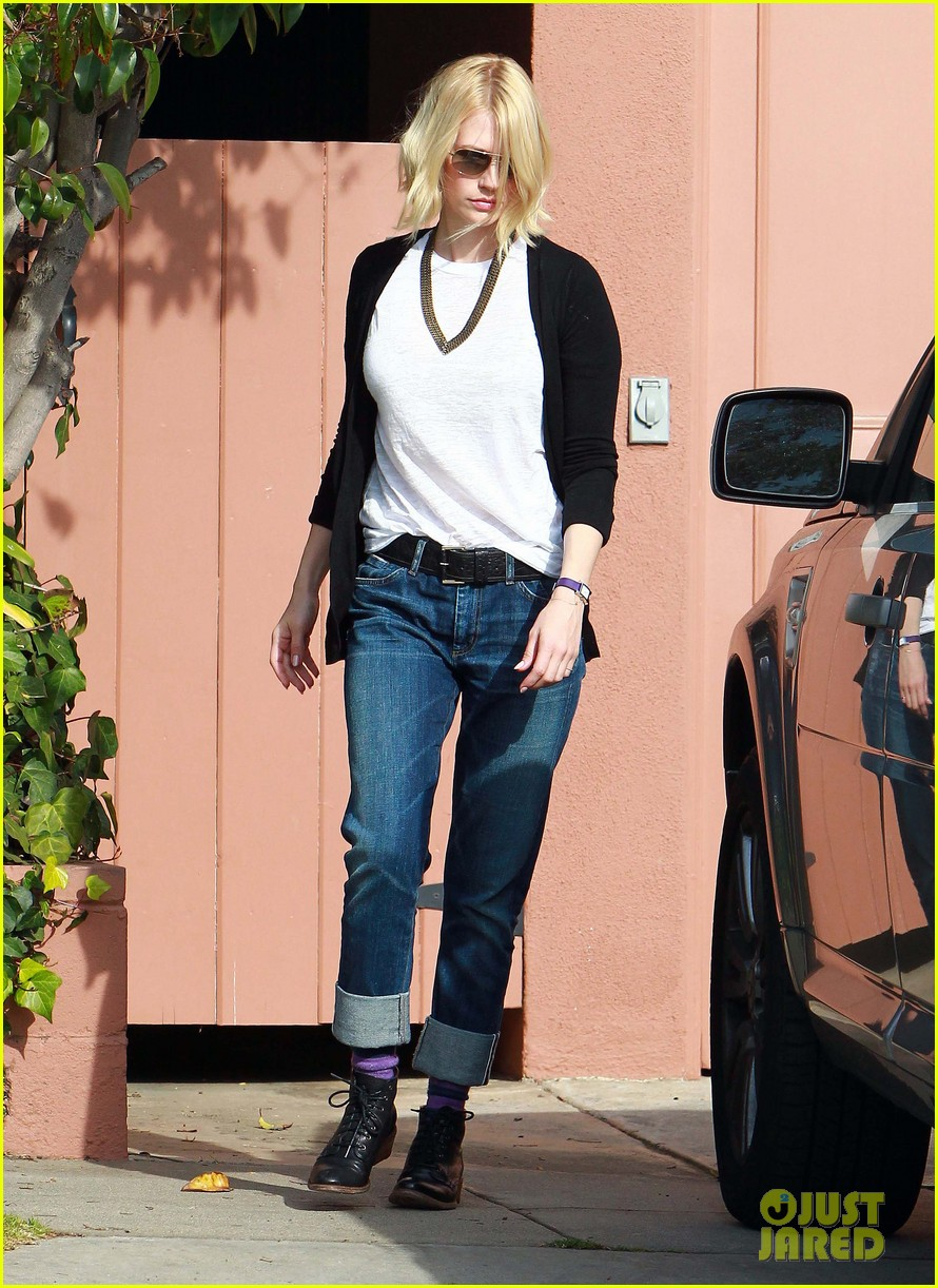january jones gym 03
