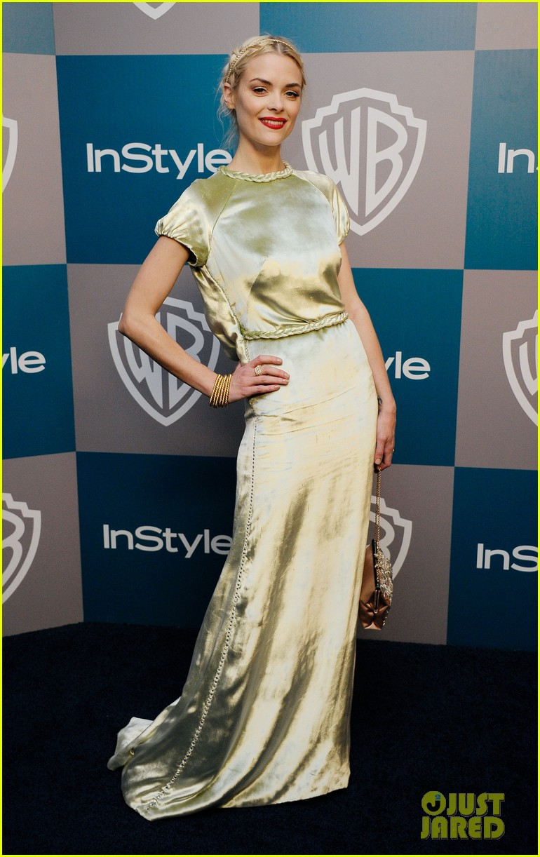 jaime king felicity jones golden globes after party 072618872