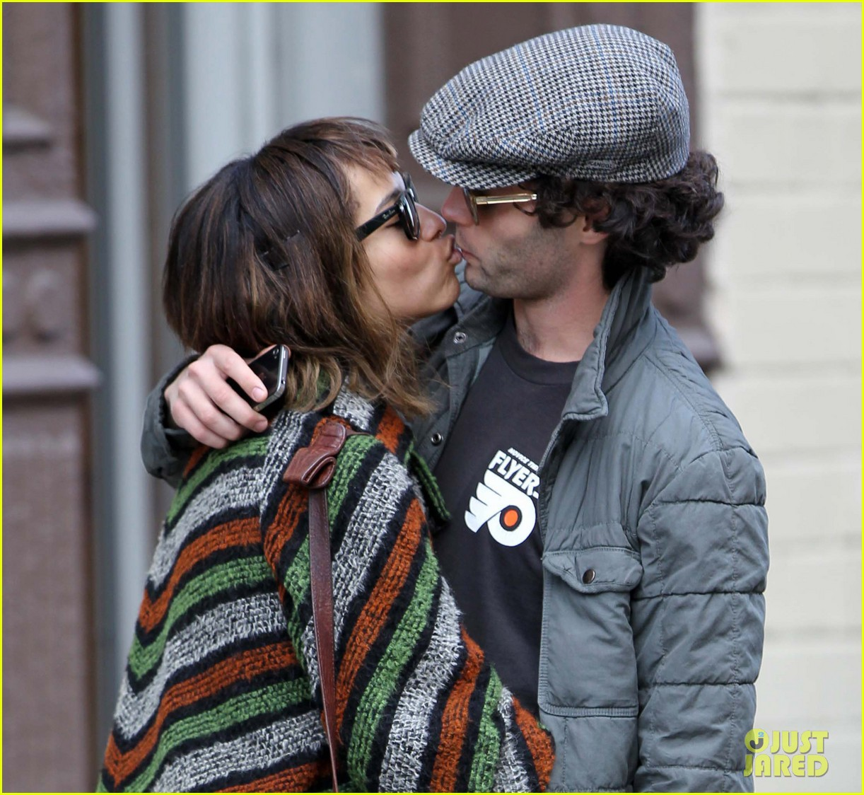 zoe kravitz penn badgley kiss kiss 04
