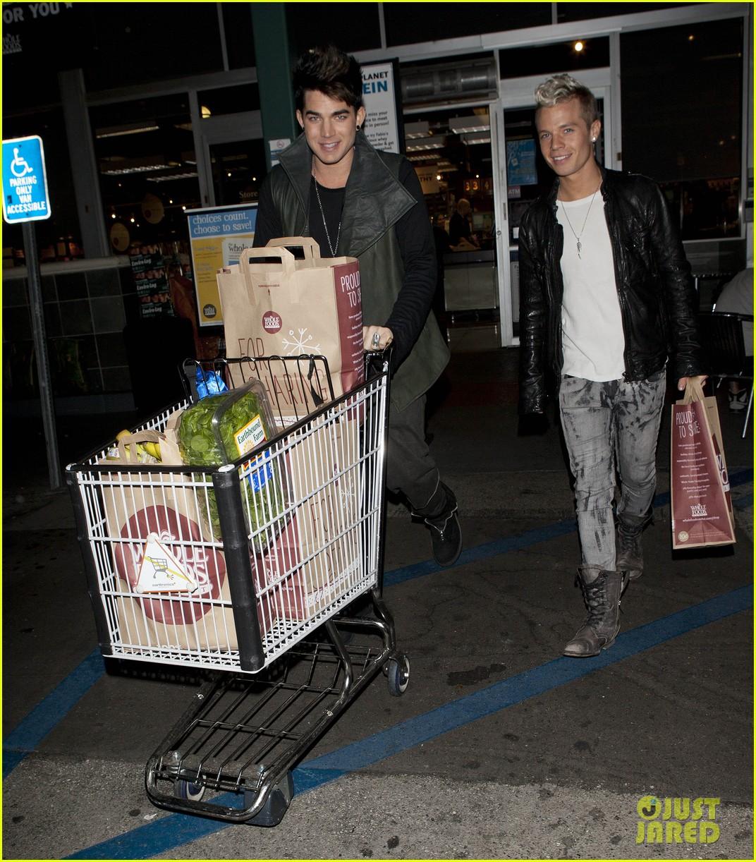adam lambert sauli koskinen grocery shopping 01