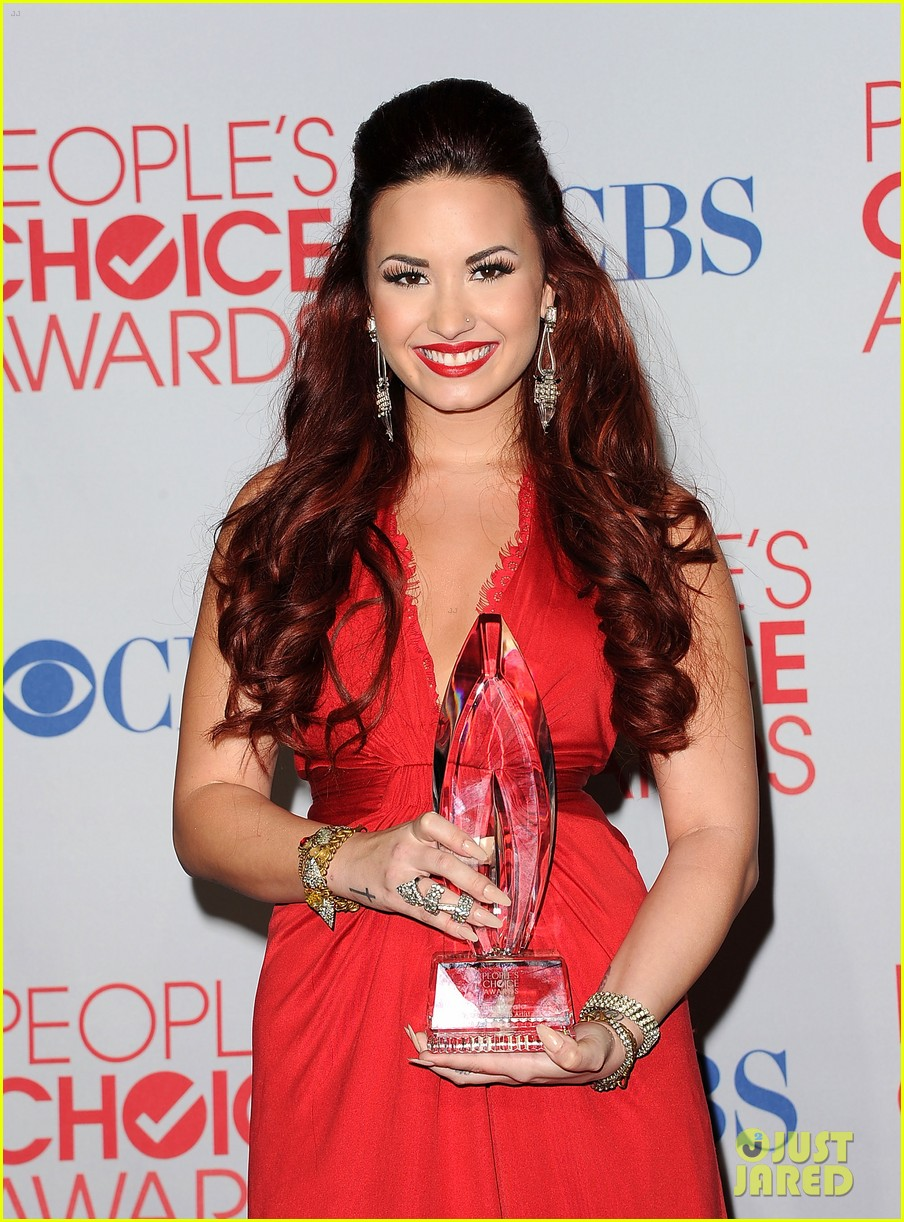 demi lovato pcas performance 14