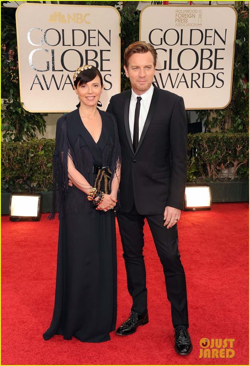 ewan mcgregor 2012 golden globes red carpet 022618427