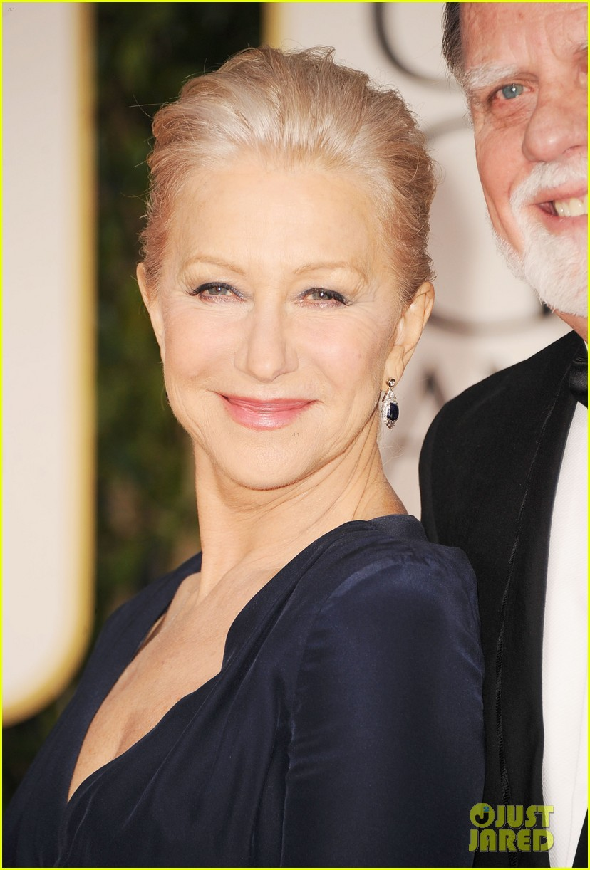 helen mirren 2012 golden globes red carpet 03
