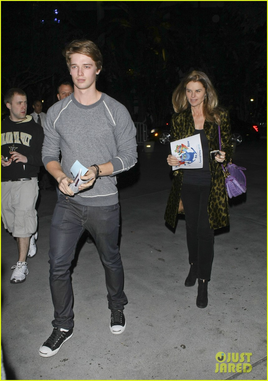 maria shriver patrick schwarzenegger staples center 04