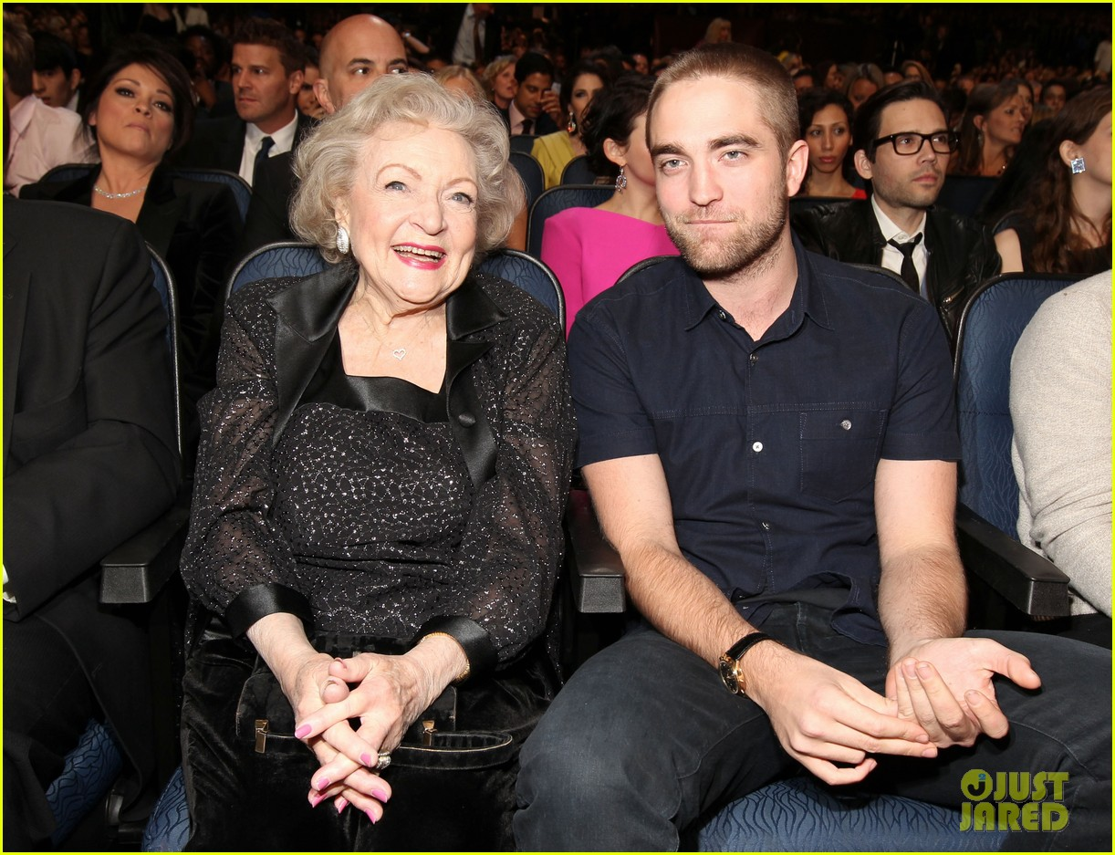 robert pattinson pcas 05