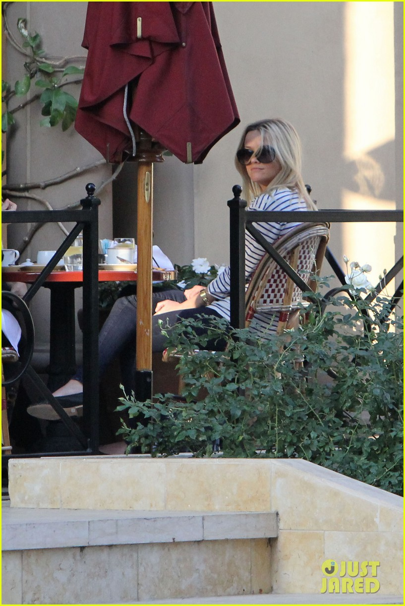 reese witherspoon lunch friends 06