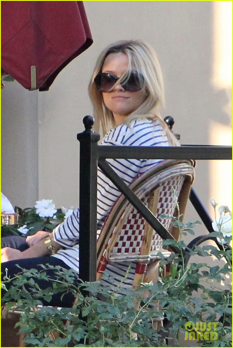reese witherspoon lunch friends 10