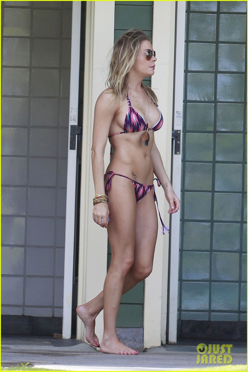 leann rimes bikini hawaii breakfast 05