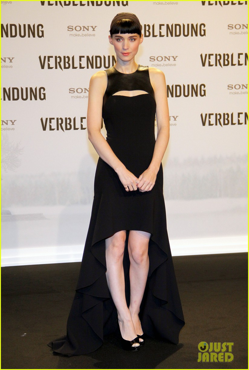 daniel craig rooney mara dragton germany premiere 09