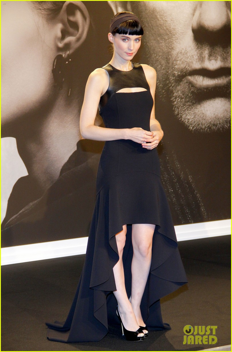 daniel craig rooney mara dragton germany premiere 10