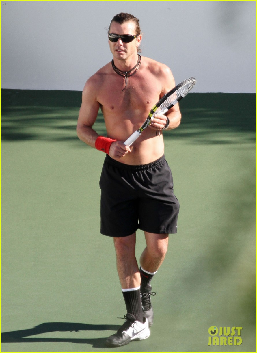 gavin rossdale shirtless tennis player 03