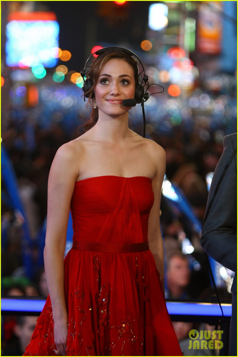 emmy rossum new years eve 012613806