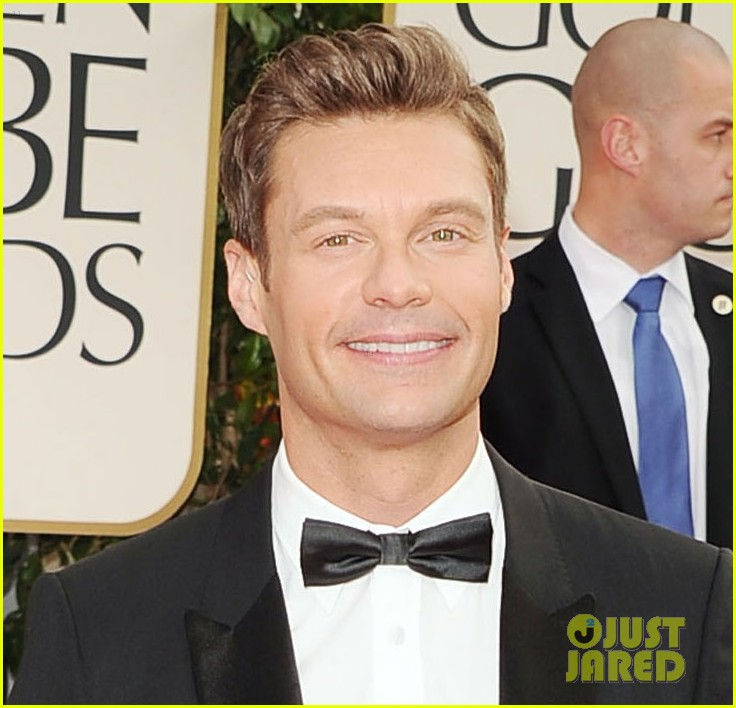 ryan seacrest 2012 golden globes red carpet 05