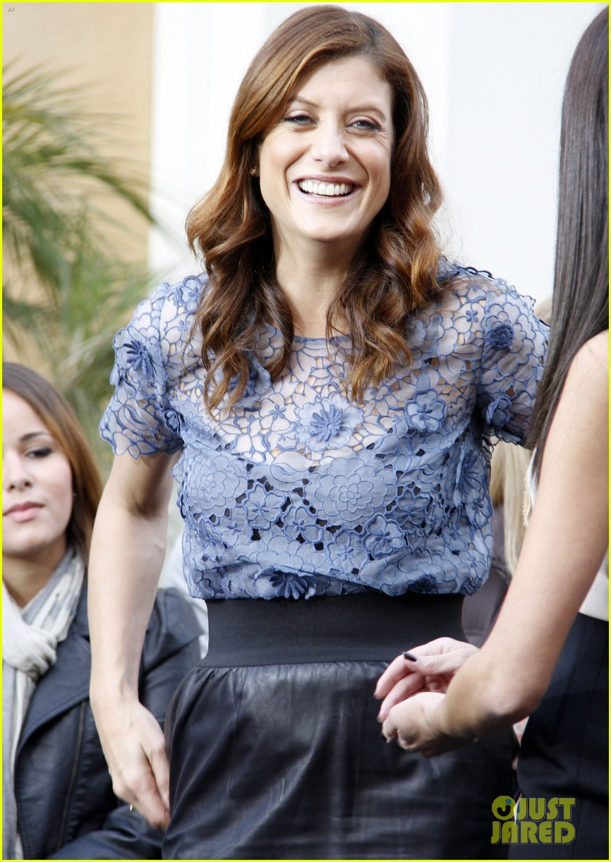 kate walsh extra at the grove 02
