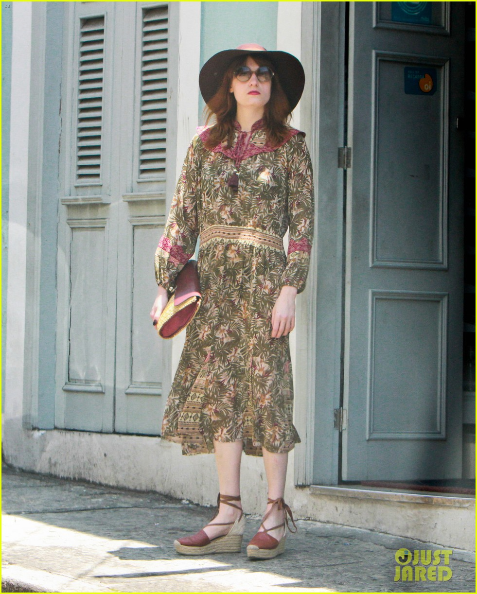 florence welch hits the beach with new boyfriend 042620112