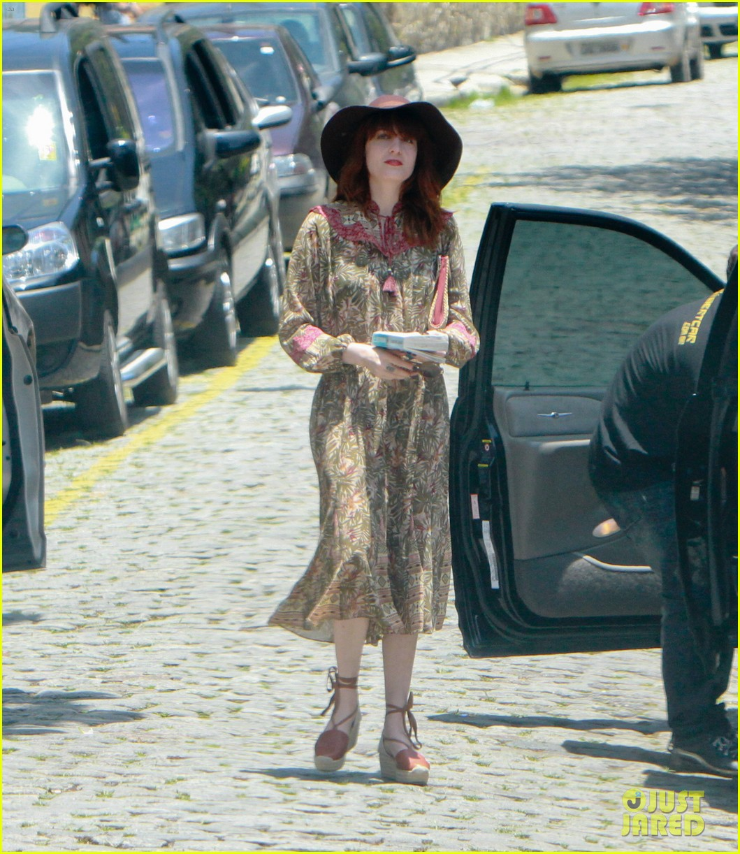 florence welch hits the beach with new boyfriend 332620141