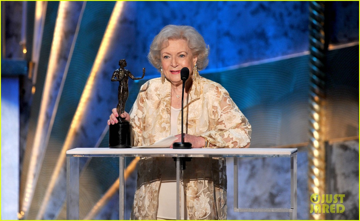 betty white jessica lange sag awards winners 11
