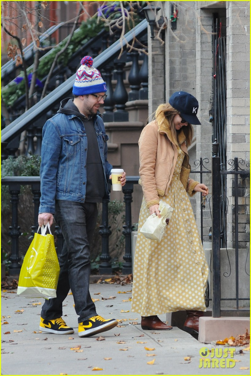 olivia wilde jason sudeikis afternoon take out 01